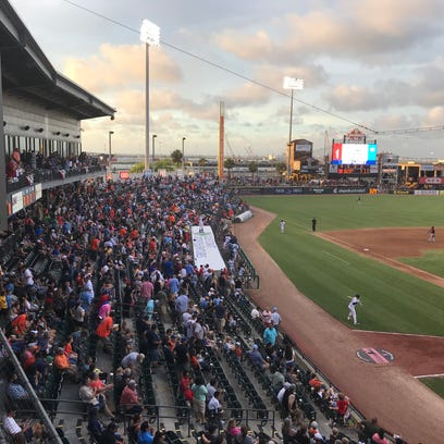Largest crowd in Whataburger Field history comes out for Astros replica World Series rings