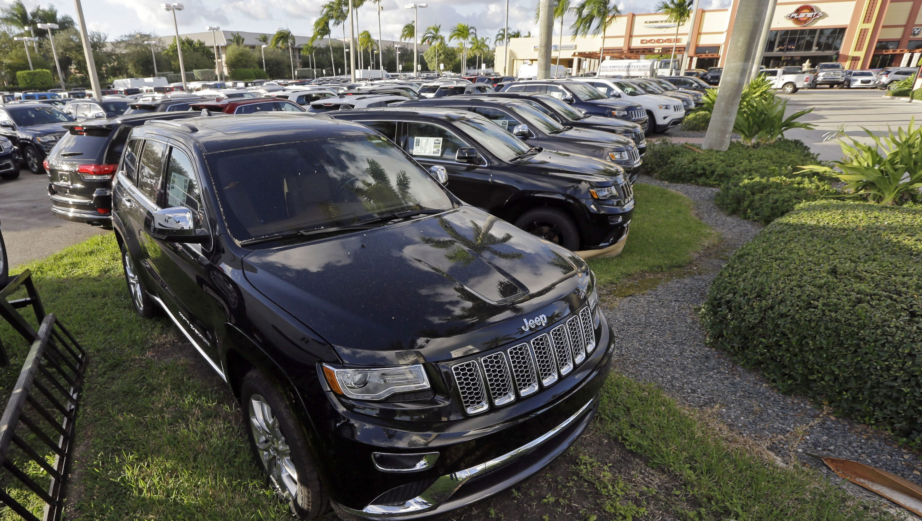 EPA accuses Fiat Chrysler of cheating emissions laws