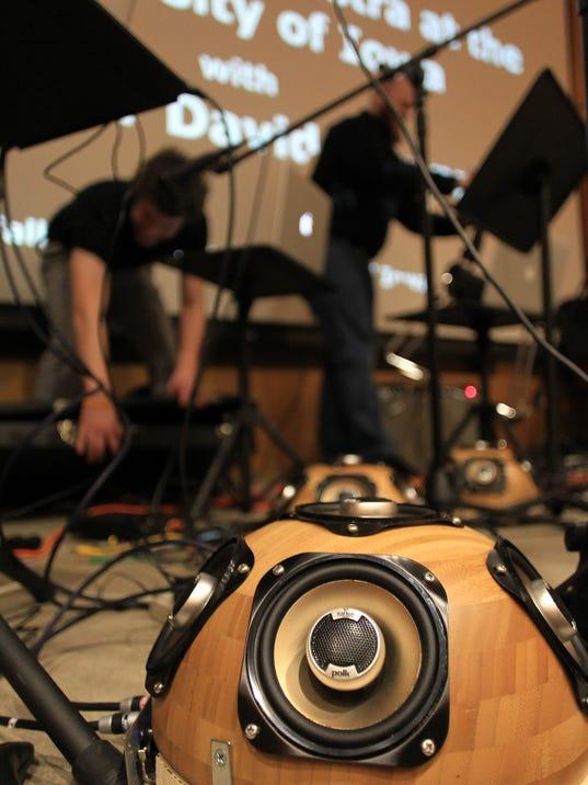 IOW 1127 Laptop orchestra 05.jpg