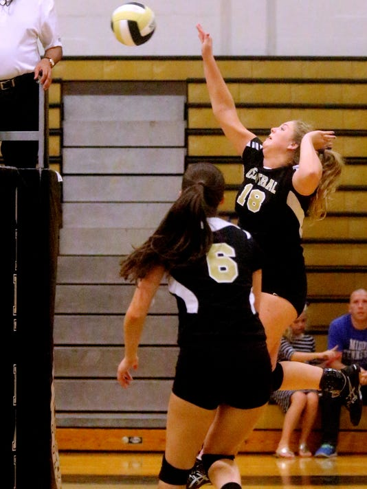 636398159671858997-29-Central-vs-Tullahoma-vball-.JPG