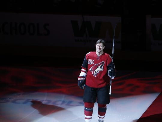 Shane Doan is recognized for his 1,500th NHL game and