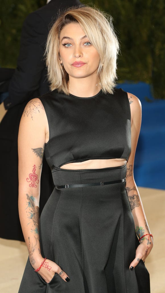 Paris Jackson arrives on the red carpet for the Metropolitan