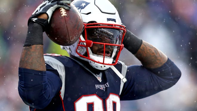 FOXBORO, MA - DECEMBER 24: Martellus Bennett #88 of the New England Patriots celebrates after scoring a touchdown against the New York Jets during the first half at Gillette Stadium on December 24, 2016 in Foxboro, Massachusetts. (Photo by Maddie Meyer/Getty Images) ORG XMIT: 681239237 ORIG FILE ID: 630502050
