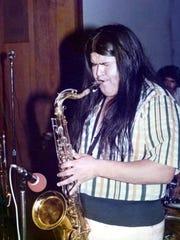 Robert Fernandez