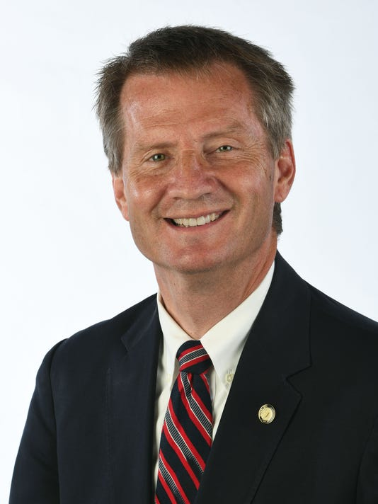 Tim Burchett 01