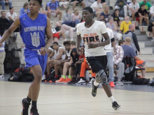 Simeon 2021 point guard Ahamad Bynum (center) will draw tons of recruiting attention over the next few years.