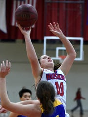 Reed's Jill Rovetti shoots against Reed during Tuesday's game at Reno.