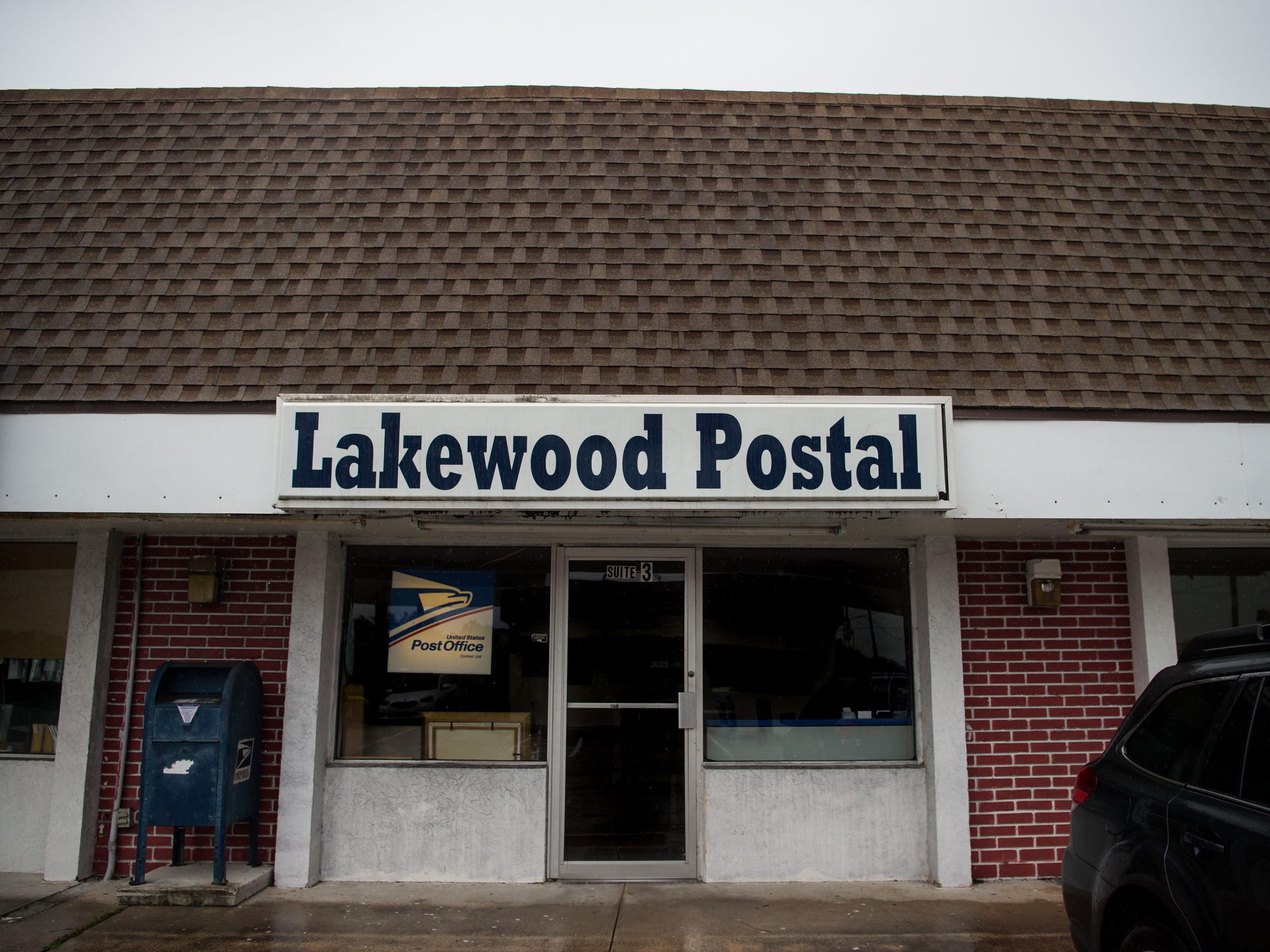 Lakewood Postal on Indrio Road, seen July 31, 2017, is where the former Five Star Food Store was located in Lakewood Park. Tariq Hussain, of Vero Beach, was working a late shift at the family business in 1995 when he was shot and killed. Lanadieal Ashe, of Fort Pierce, who was a juvenile at the time, was convicted of his murder.