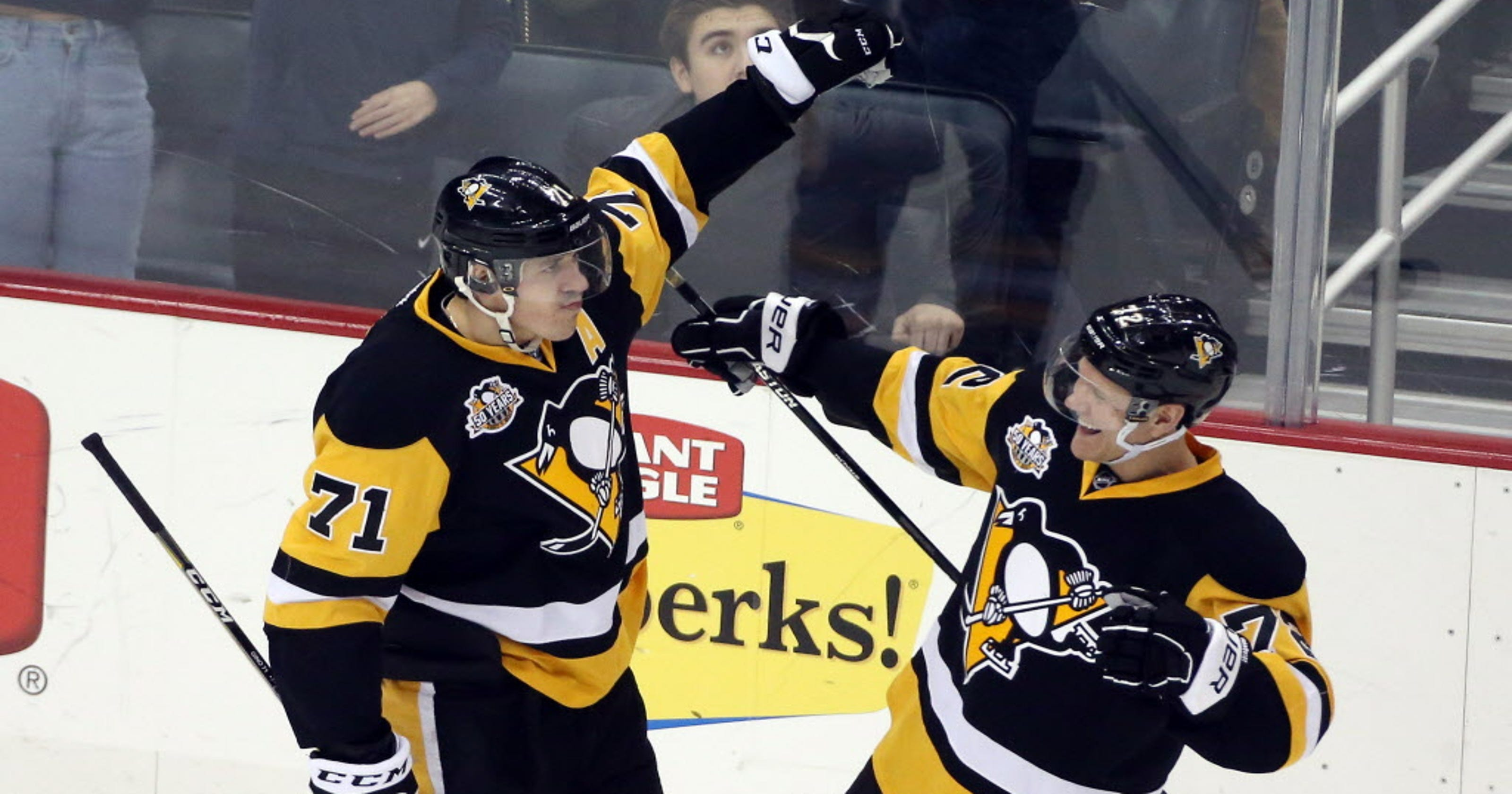 41bd7d898d0 Evgeni Malkin completes Penguins' rally past Canadiens in OT