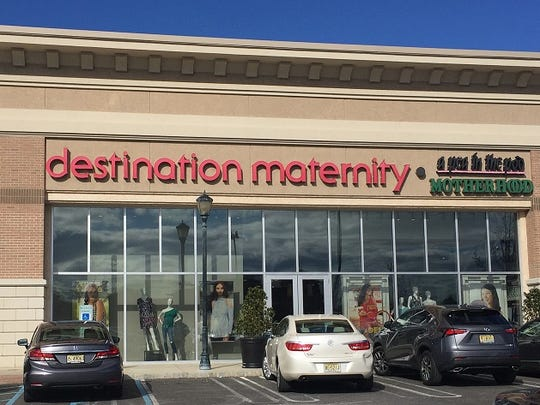 Destination Maternity Corp. has issued layoff notices for more than 600 workers at two South Jersey facilities.