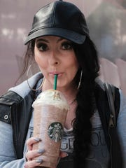 azcentral's Melissa Farley tries the Starbucks Christmas