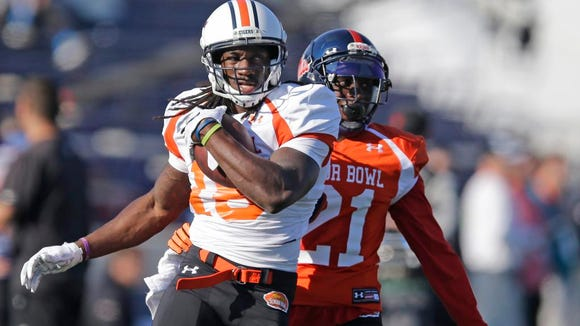 Auburn wide receiver Sammie Coates carries the ball during Senior Bowl practice on Wednesday in Mobile, Ala.