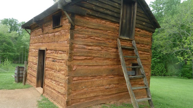 The slave residence also served as the plantation kitchen.