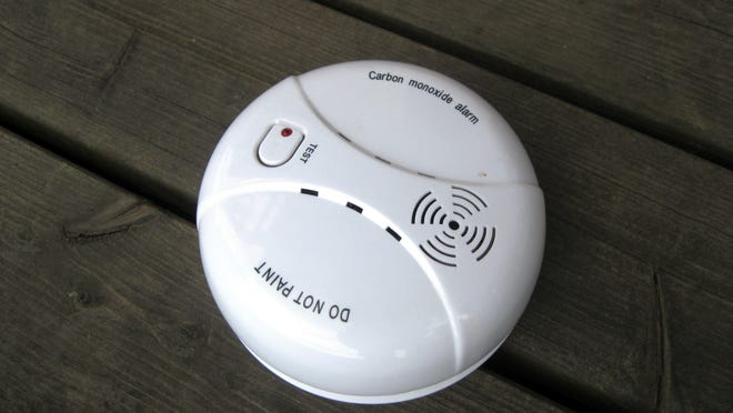 Different patterns of beeps or chirps from your carbon monoxide alarm mean different things, though all signal that you must take some action. [Santeri Viinamäki [CC BY-SA (https://creativecommons.org/licenses/by-sa/4.0)] /Wikimedia]
