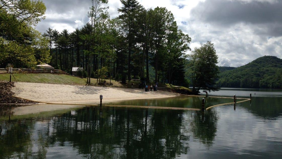 Asheville Citizen Times >> Lake Glenville gets new swim beach in Jackson County