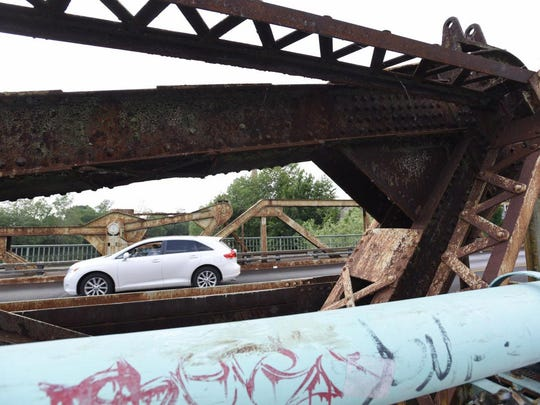 eighth-street-bridge.jpg