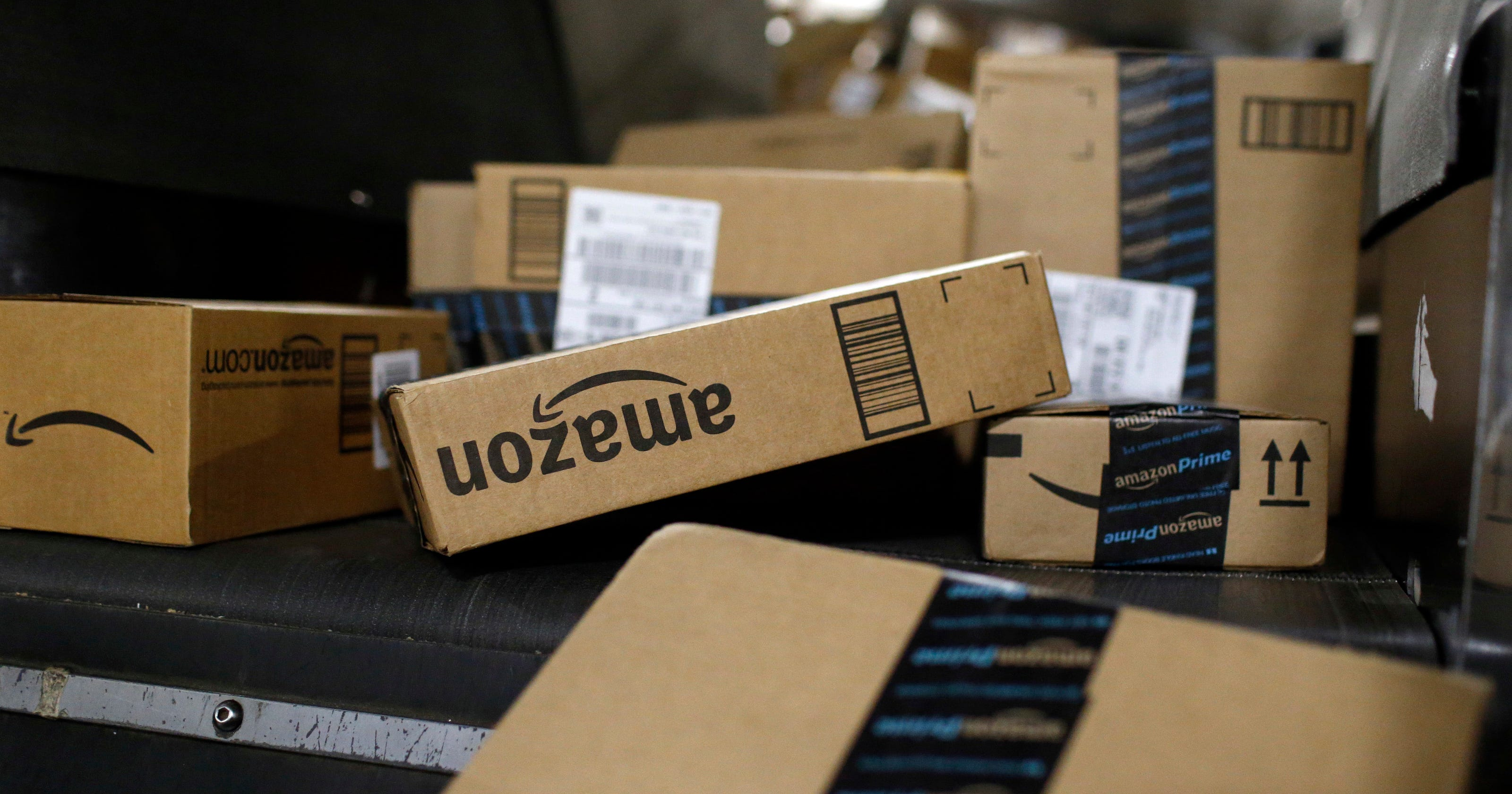 Metro Cars Detroit >> To expand, Amazon adding centers in Michigan