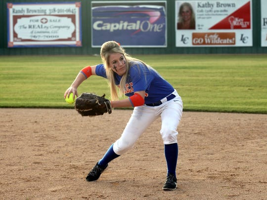 Louisiana College second baseman Jessica Johnson has been named as a 2015-16 Scholar-Athlete Medal of Honor recipient.