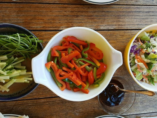 636543907218871164-Chen-2Eating-healthy-foods-can-boost-your-moods..jpg
