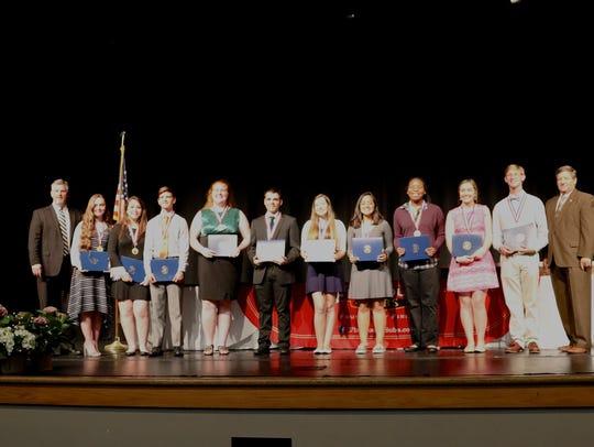 2018 Senior Academic Award winners from Tate High School.
