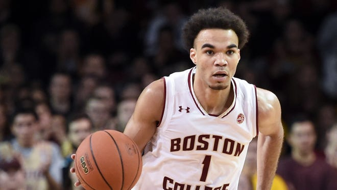 Jerome Robinson controls the ball during a game against the Notre Dame Fighting Irish.