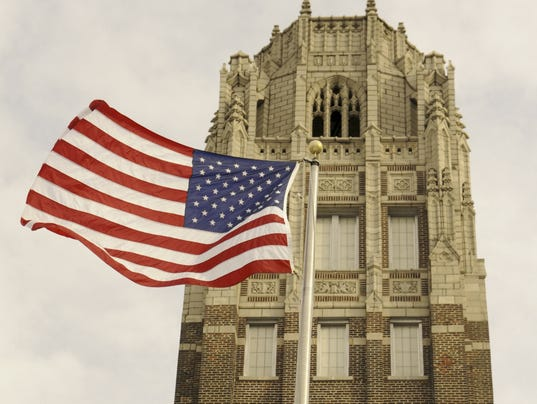 Manitowoc Lincoln High School Tower Flag