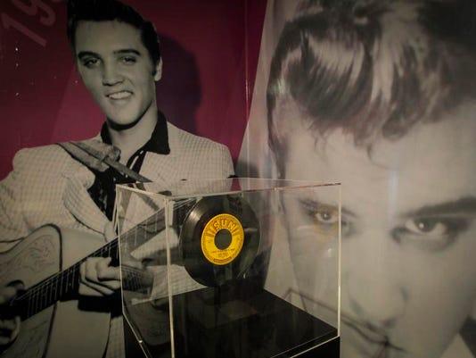 Elvis Exhibit Priscil_Levi.jpg