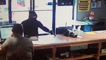 UPDATE: Police say Knox area cash advance robberies, purse snatching appear connected