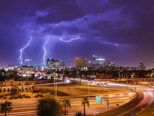 Imágenes de la tormenta que azotó Phoenix la madrugada