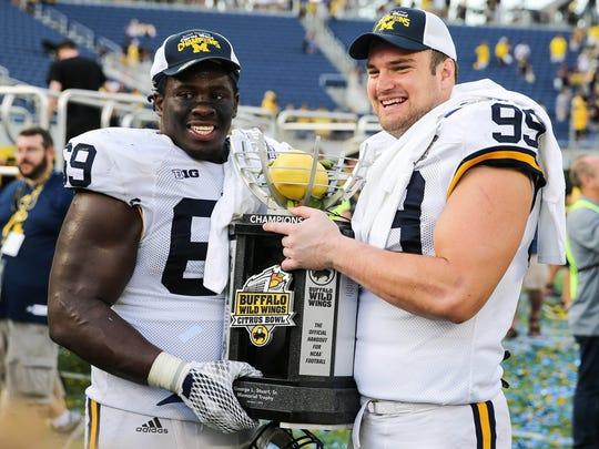 Michigan celebrates the 41-7 win in the 2016 Citrus