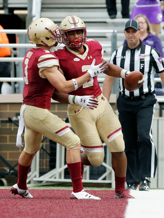 Holy_Cross_Boston_College_Football_96297.jpg