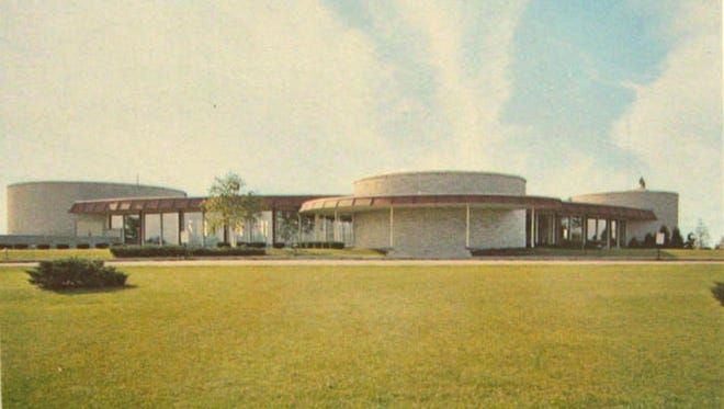 An early postcard shows Fox Hills Country Club as it appeared shortly after being completed in 1964.