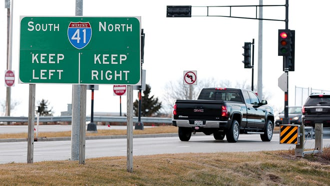 Wisconsin experts have been meeting to discuss how regions can attract out-of-state businesses to the Interstate 41 corridor from Fond du Lac to Green Bay.
