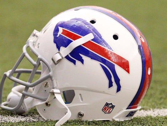 2014-10-07-bills-helmet