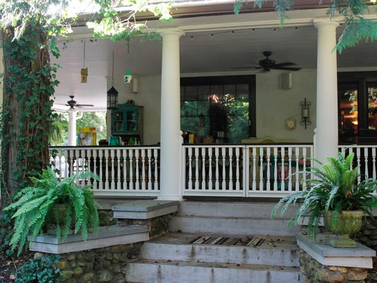 Exterior Decor Update Home With Color Trims