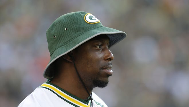 Packers tight end Jared Cook, shown during Green Bay's annual Family Night practice in July, tweeted a photo Friday of a chicken head that was included in a take-out order of chicken wings from a Buffalo Wild Wings.