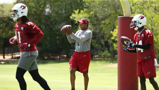 How many wins will the Steve Wilks, Larry Fitzgerald and the Arizona Cardinals get in 2018? Early predictions are out.
