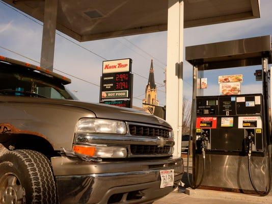 MAN n Gas Prices drop.jpg