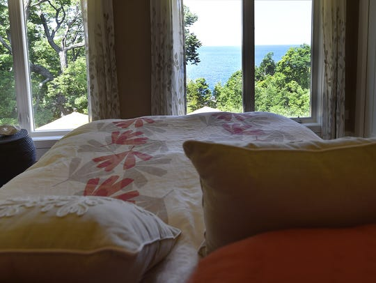 The Johnsons wake up to a panel of panoramic views