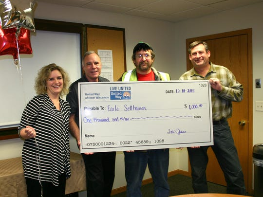 Earle Sellhausen of WestRock (third from left) won one of the $1,000 cash prizes. Pictured here is United Way of Inner Wisconsin CEO Tari Jahns, our 2015 Campaign Chair John Culhane, Earle Sellhausen, and WestRock General Manager Mark Jorgensen.