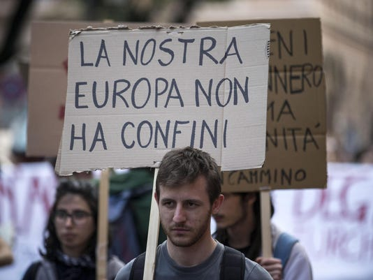 EPA ITALY PROTEST OPEN BORDERS POL REFUGEES MIGRATION CITIZENS INITIATIVE & RECALL ITA
