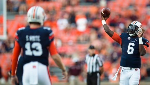 Auburn quarterback Jeremy Johnson (6) throws to Auburn
