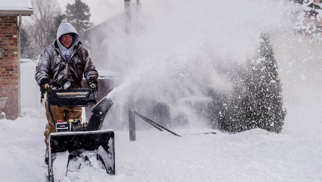 An additional three to five inches of snow is expected in the Thumb today.