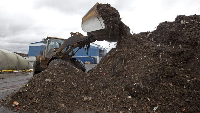 Residents from New Castle and South Wilmington north to Brandywine Hundred complained at a Wednesday forum about the Peninsula Compost facility near the Port of Wilmington.
