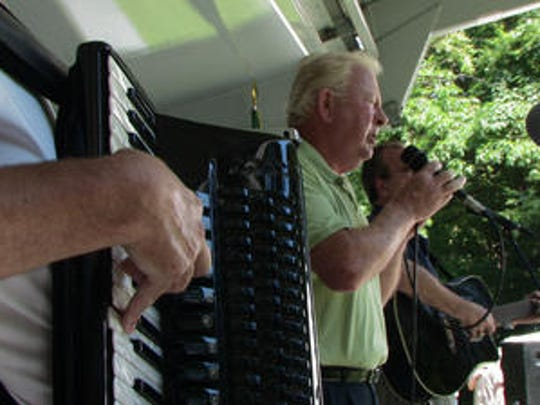Frank O'Brien of Tara Gold sings at a previous Irish Heritage Festival at Ridge Road Park in Hartsdale.