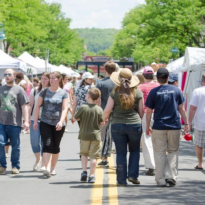 Scenes from the 2016 Corning GlassFest.