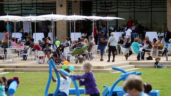 The Mississippi Museum of Art hosts pop-up art exhibits, outdoor movies and more on the third Thursday of each month.