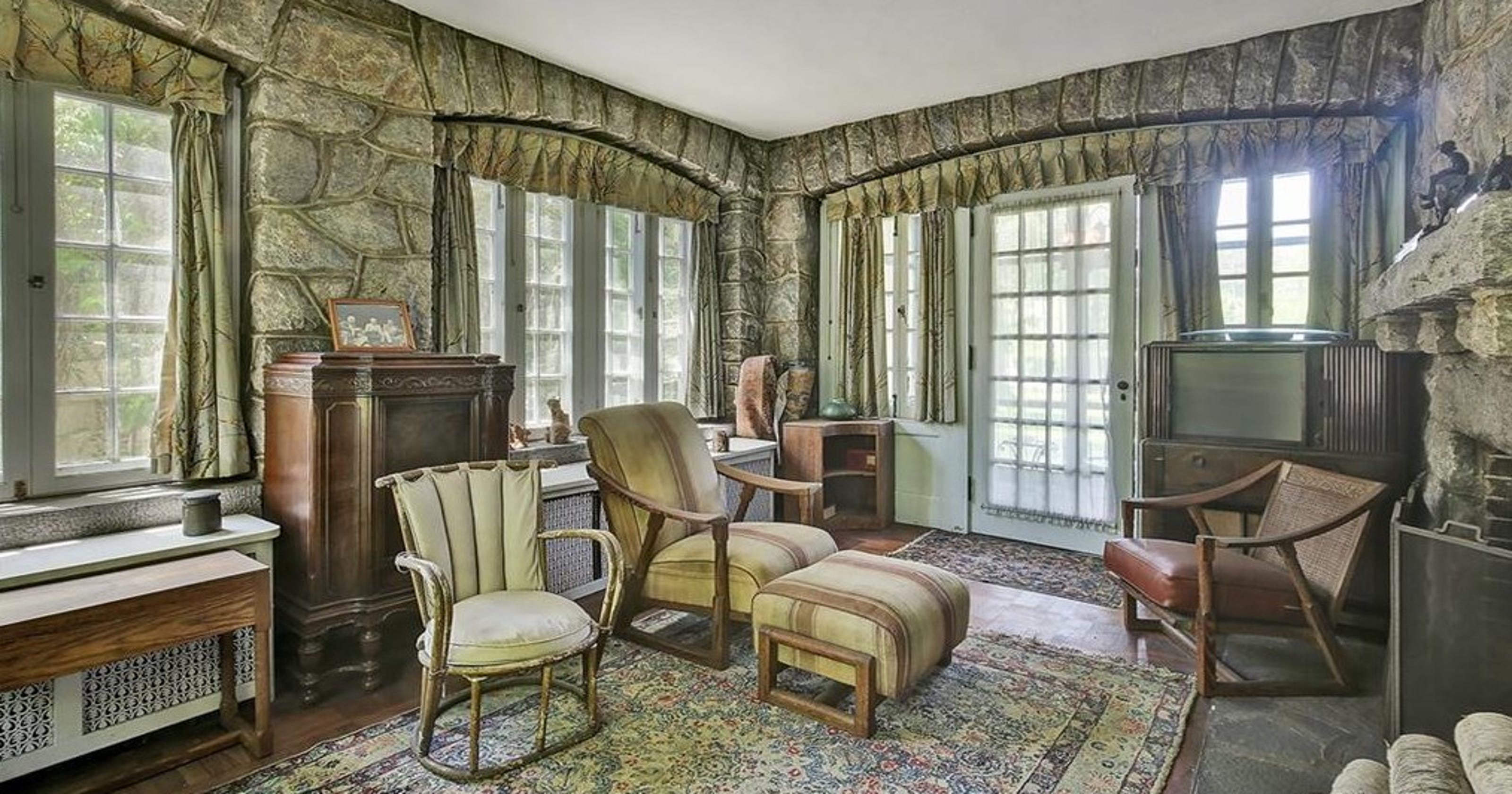 This Pelham house has been vacant since 1969