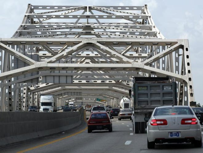 Traffic on the Kennedy Bridge during rush hour on Thursday. (Kylene Lloyd, The Courier-Journal) May 12, 2011