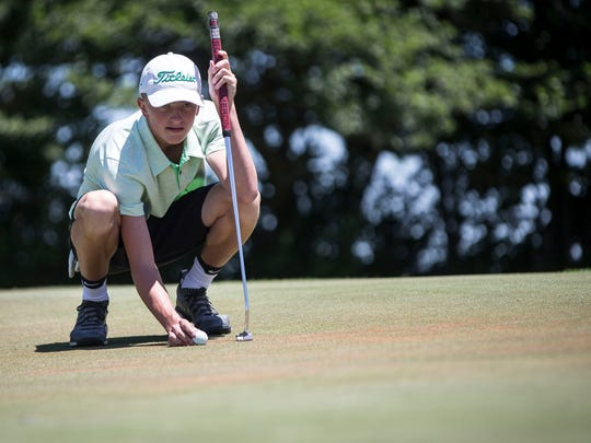 Yorktown's Bryce Hardwick golfs during the Delaware